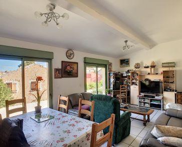 A vendre Quarante  343901137 G&c immobilier