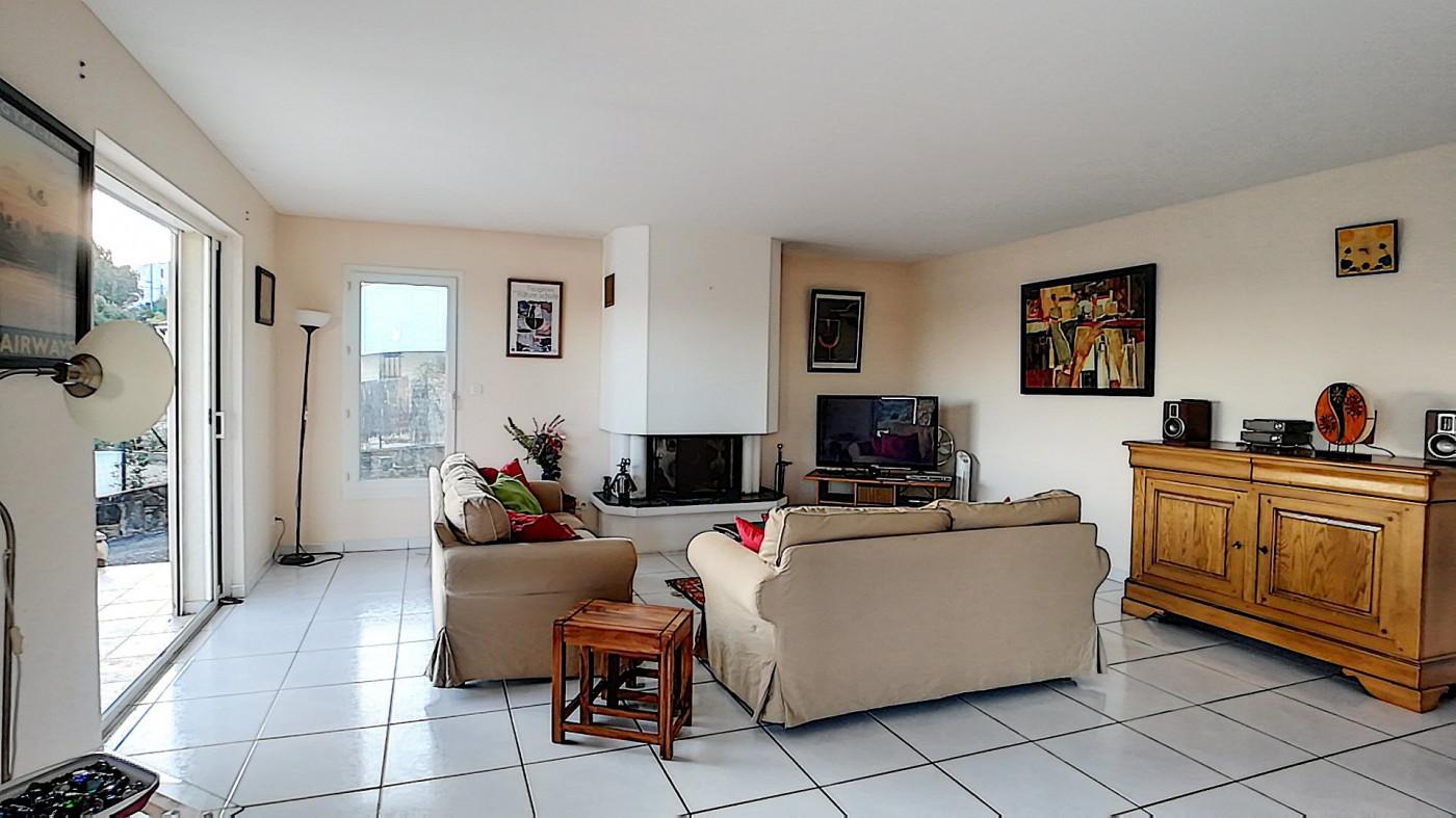 A vendre Faugeres 343901439 G&c immobilier