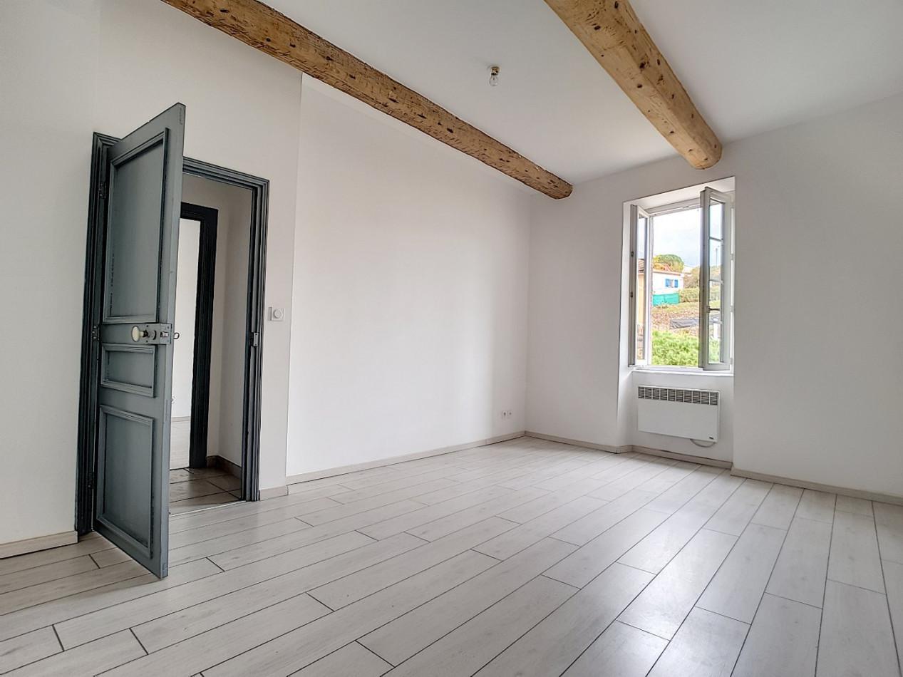 A vendre  Saint Nazaire De Ladarez   Réf 343901725 - G&c immobilier