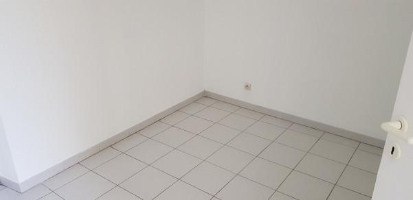 A louer  Pezenas   Réf 34423447 - Agence pezenas immobilier
