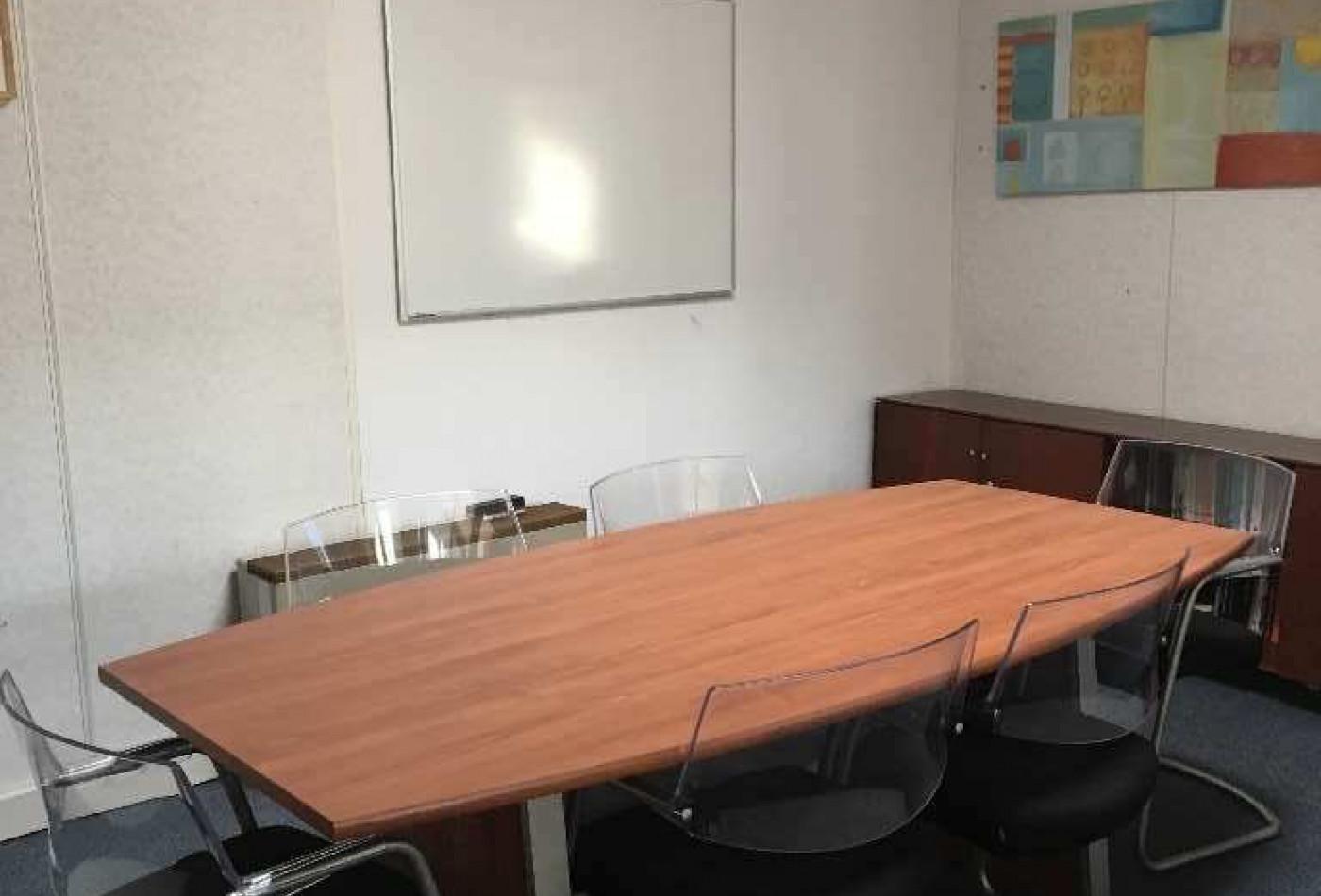 bureau en vente montferrier sur lez r th l ne entreprises. Black Bedroom Furniture Sets. Home Design Ideas