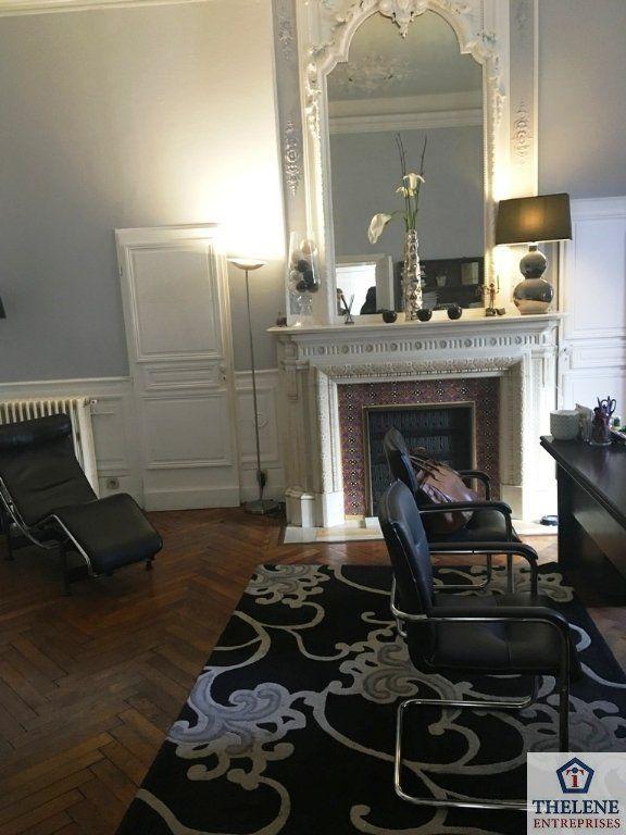 bureau en vente montpellier thlne entreprises. Black Bedroom Furniture Sets. Home Design Ideas