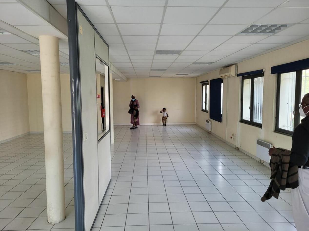 A louer  Montpellier   Réf 3448217518 - Immobilier entreprises