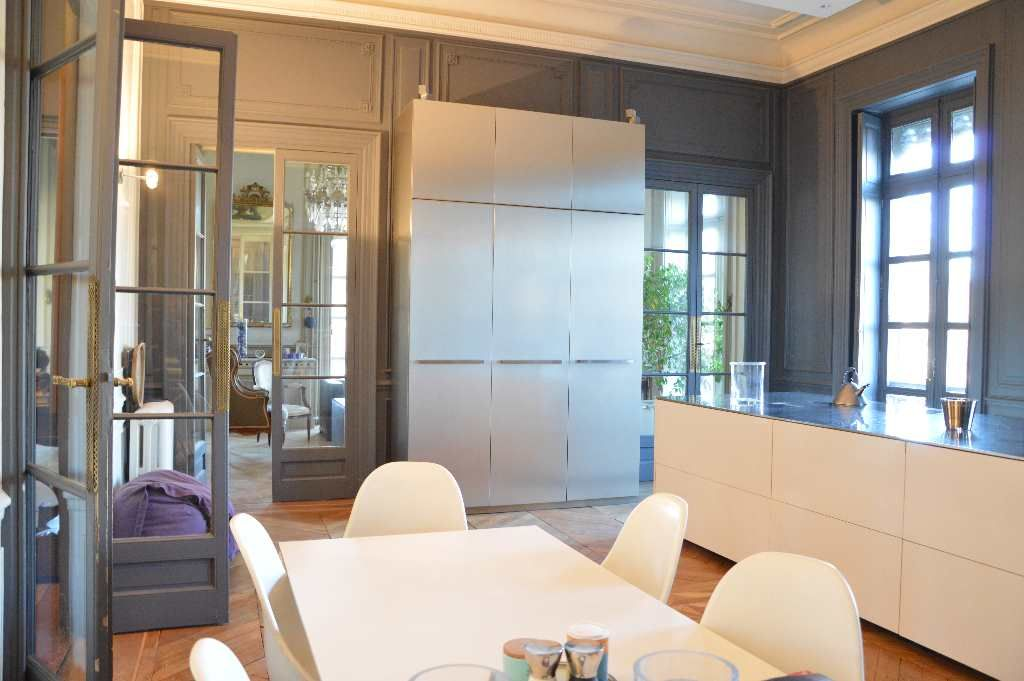 appartement haussmannien en vente nimes argence immobilier. Black Bedroom Furniture Sets. Home Design Ideas