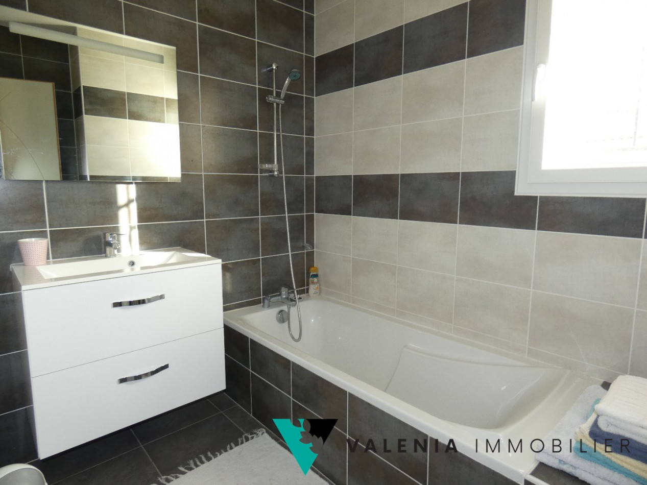A vendre Aimargues 3453410833 Valenia immobilier