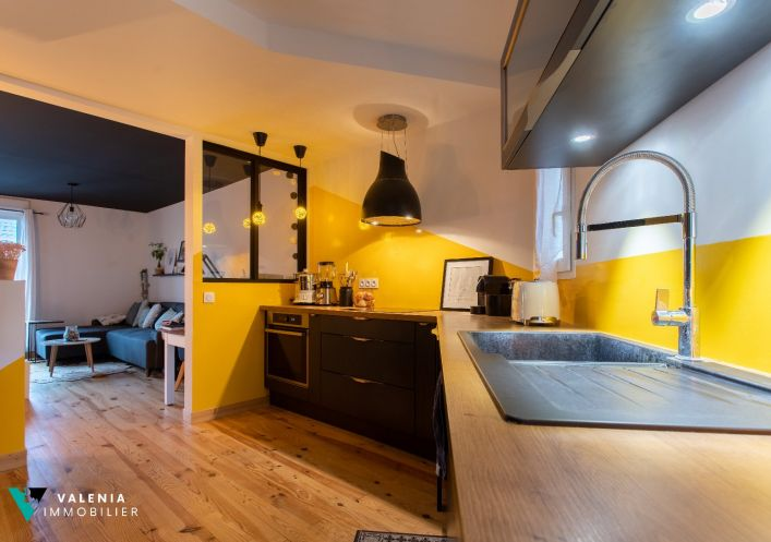 A vendre Appartement r�nov� Floirac | R�f 3453411404 - Valenia immobilier