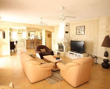 A vendre Servian  345711546 Vives immobilier