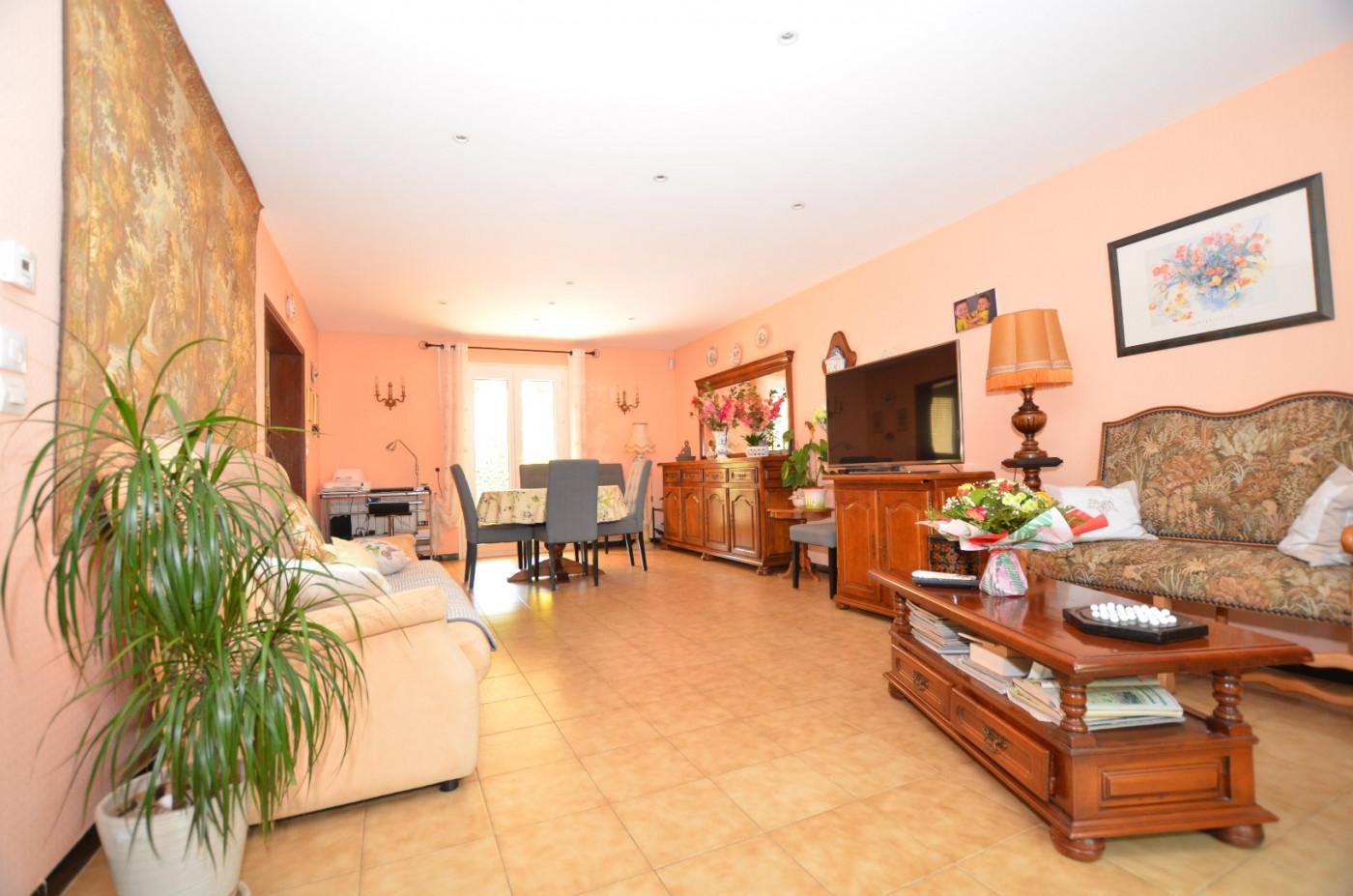 A vendre Magalas 346572160 Vives immobilier