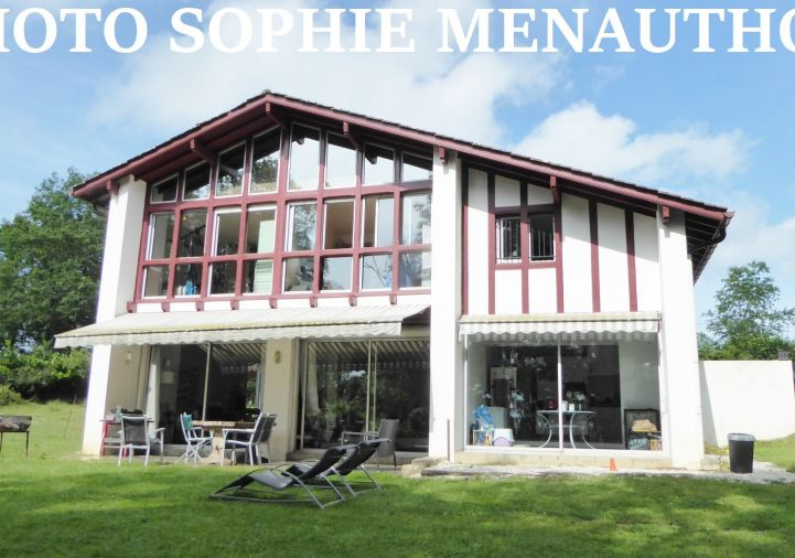 A vendre Villa d'architecte Ustaritz   R�f 4000912258 - Equinoxes immobilier