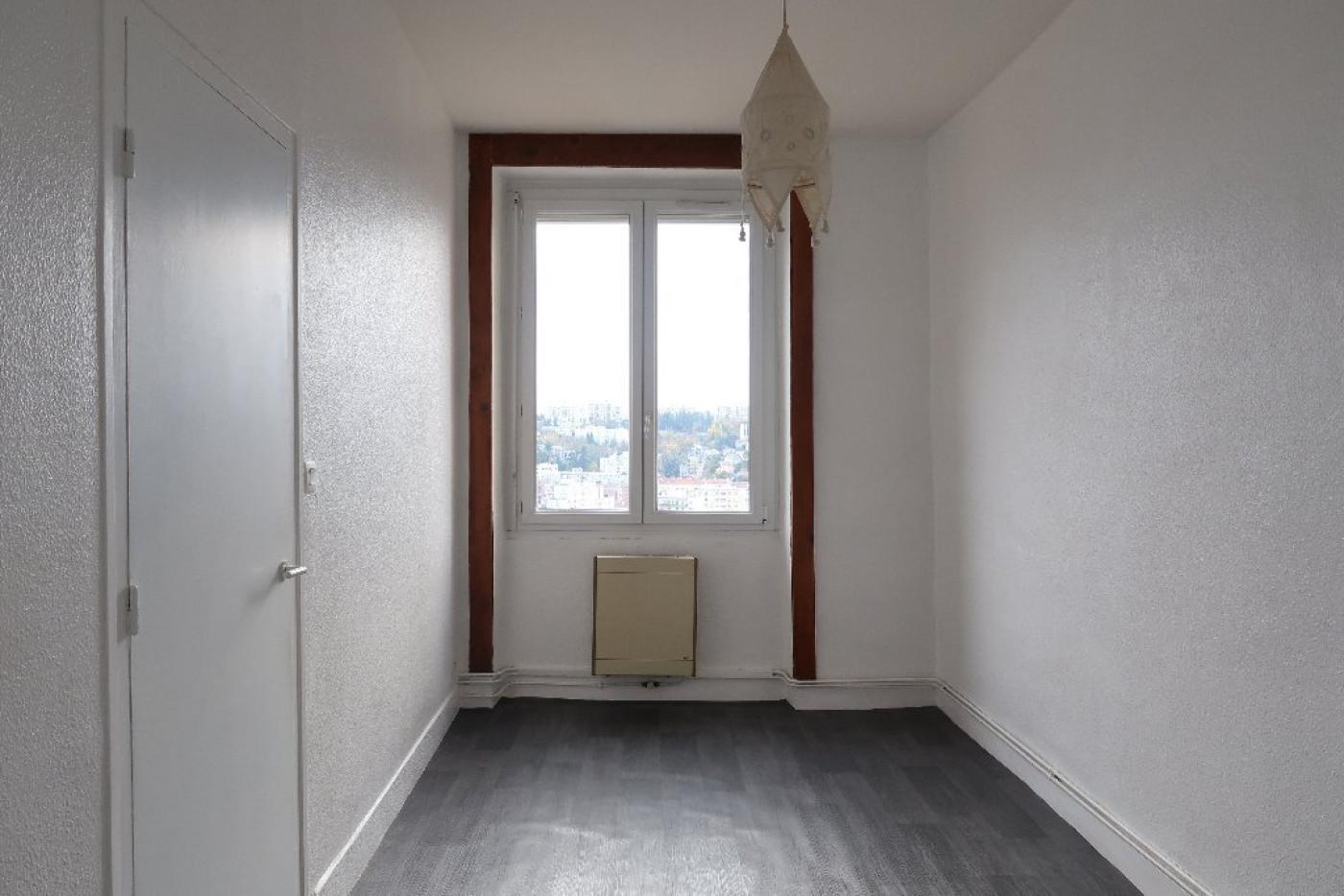 Appartement en location saint etienne r f 420013101 for Location appartement atypique saint etienne