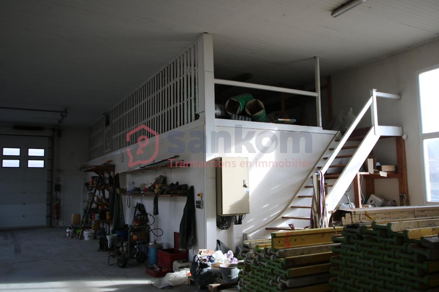 A vendre  Coubon   Réf 43002182 - Belledent nadine
