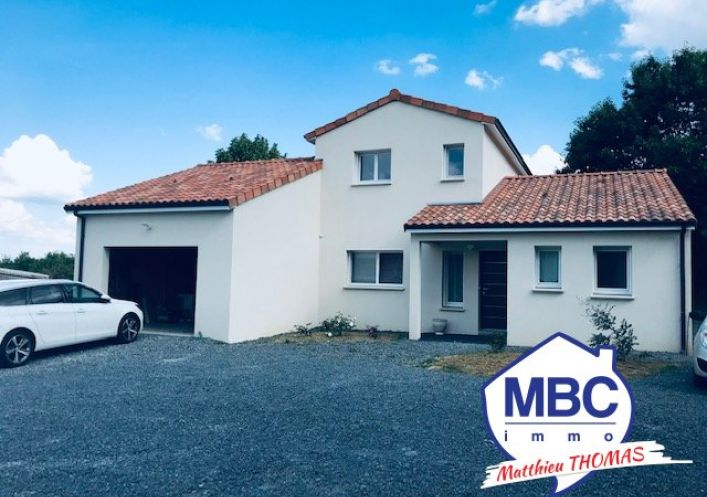A vendre Villa d'architecte Saint Pierre Montlimart | Réf 490032394 - Mbc immo