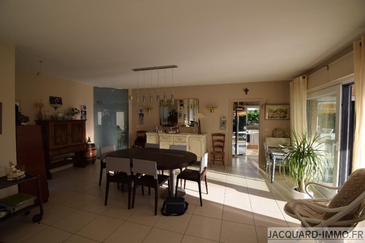 A vendre Les Attaques 620048821 Jacquard immobilier
