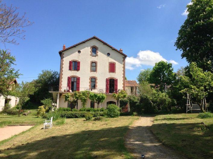 A vendre Chatel De Neuvre 63001345 Auvergne properties