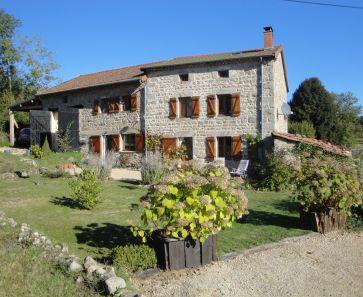 A vendre Saint Amant Roche Savine  63001639 Auvergne properties