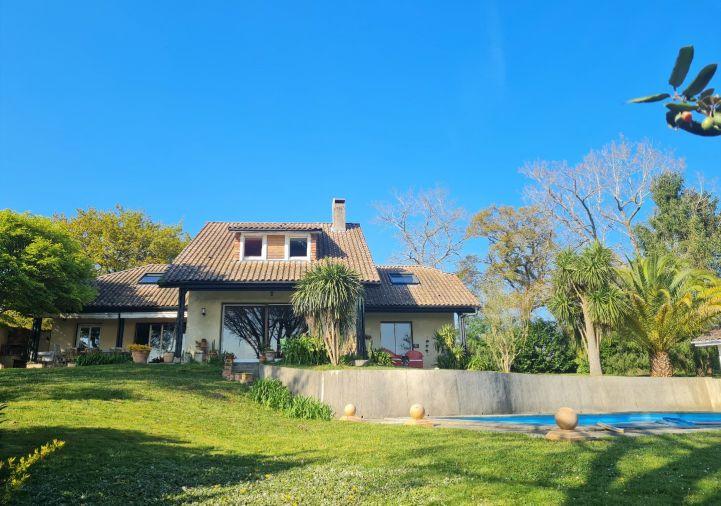 A vendre Villa d'architecte Salies De Bearn | Réf 64026319 - Hélène immo