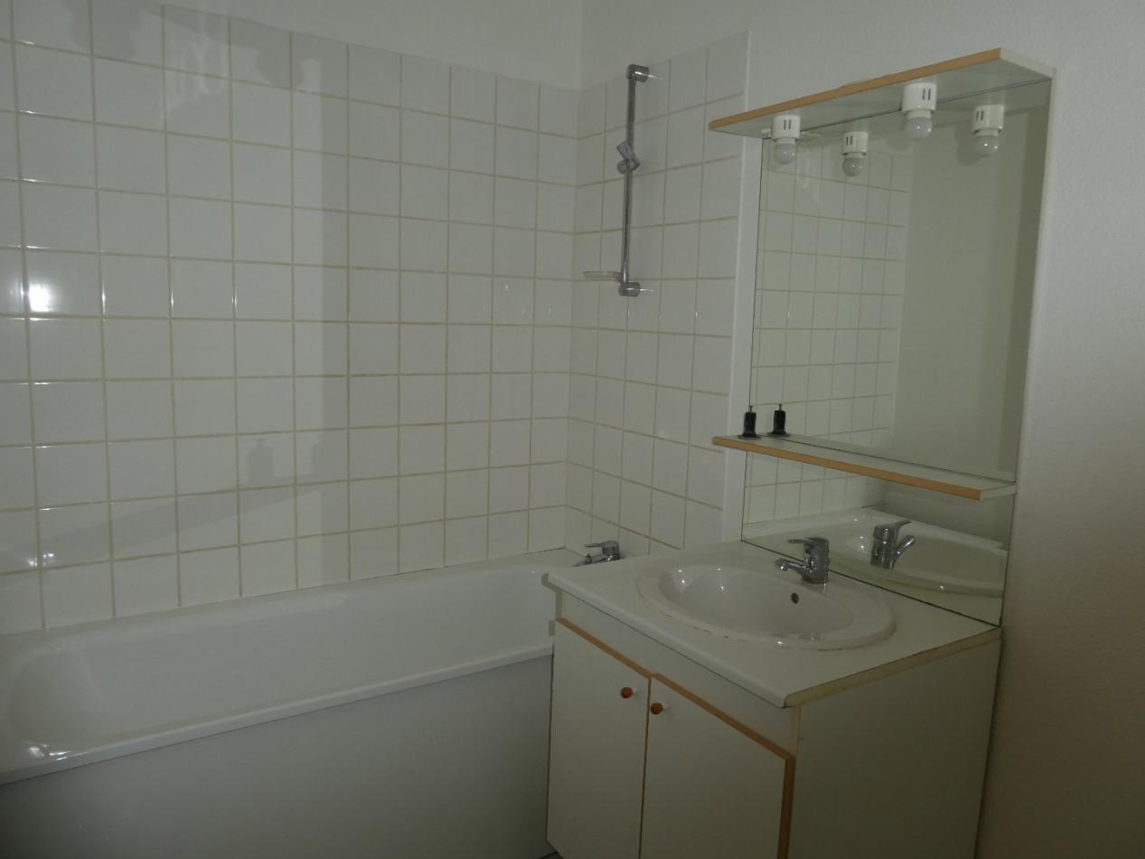 A vendre Pau 6403310773 Cofim