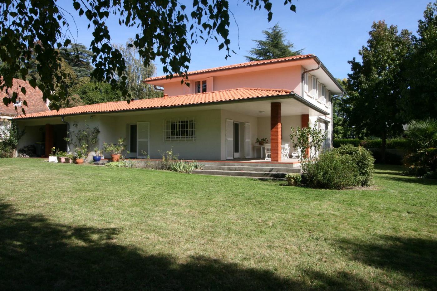 A vendre Pau 640339590 Cofim