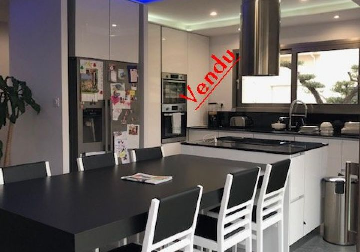 A vendre Villa d'architecte Trouillas | R�f 66032565 - France agence immobilier