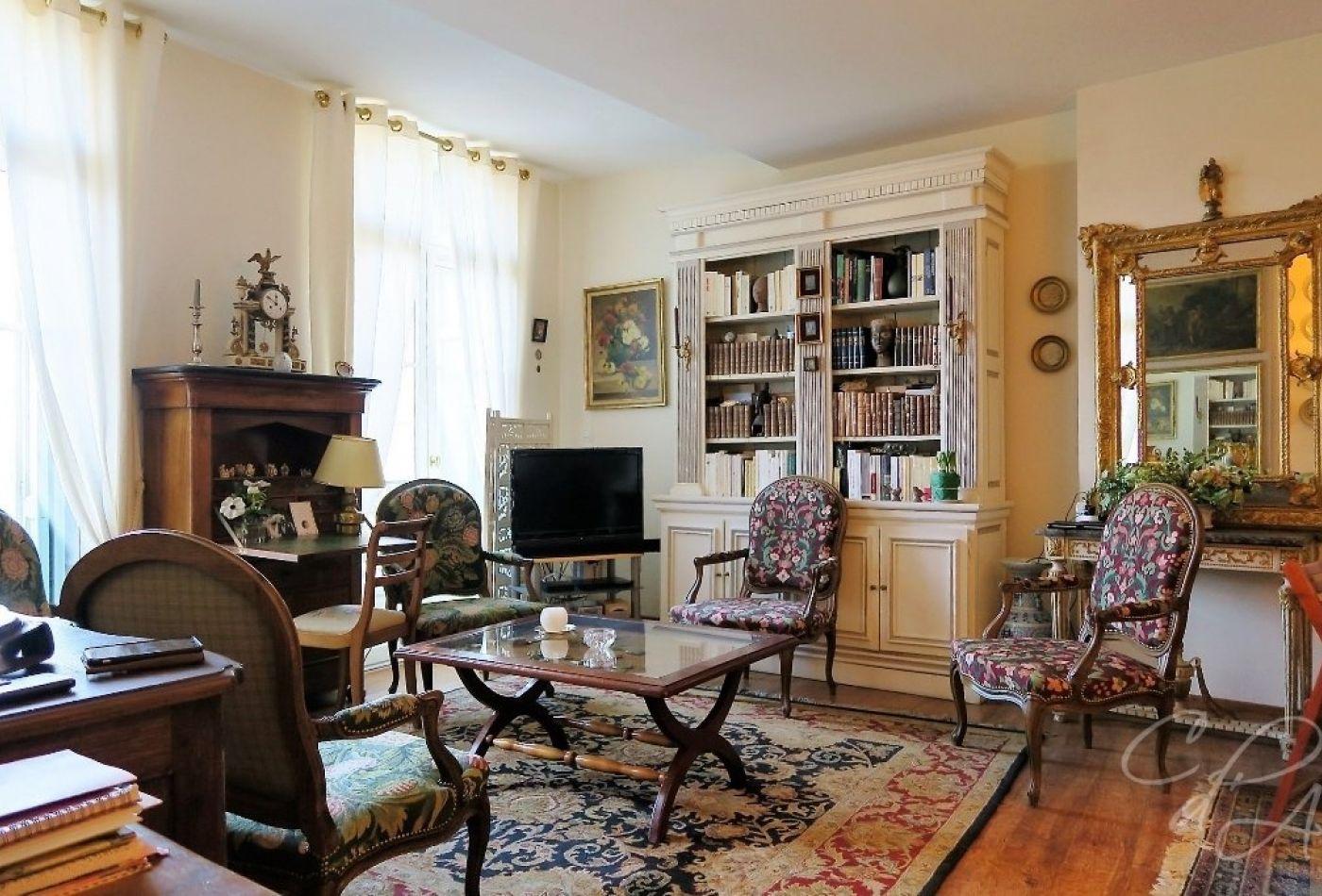 vente appartement bourgeois perpignan 70m 3 pi ces 250 000. Black Bedroom Furniture Sets. Home Design Ideas