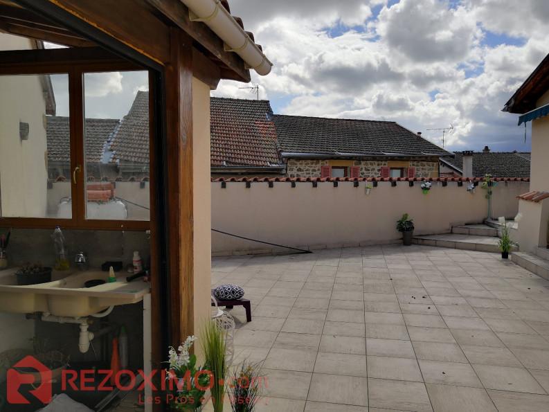 A vendre Saint Verand 7401418338 Rezoximo