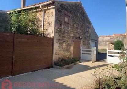 A vendre Maison de village Saint Pierre Le Vieux | Réf 7401419144 - Rezoximo