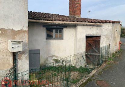 A vendre Maison à rénover Le Gue De Velluire | Réf 7401420004 - Rezoximo