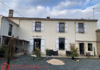 A vendre Maison de caractère Fontenay Le Comte | Réf 7401420242 - Rezoximo