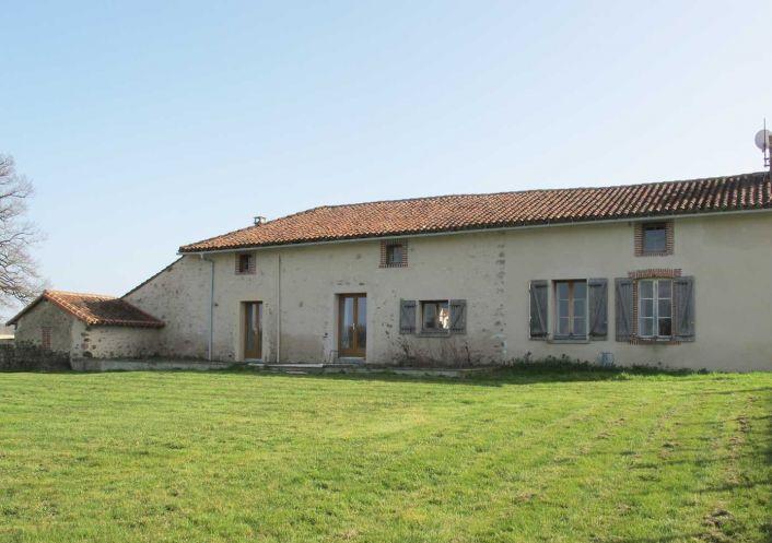 A vendre Corps de ferme Luchapt | Réf 75011111512 - Sextant france