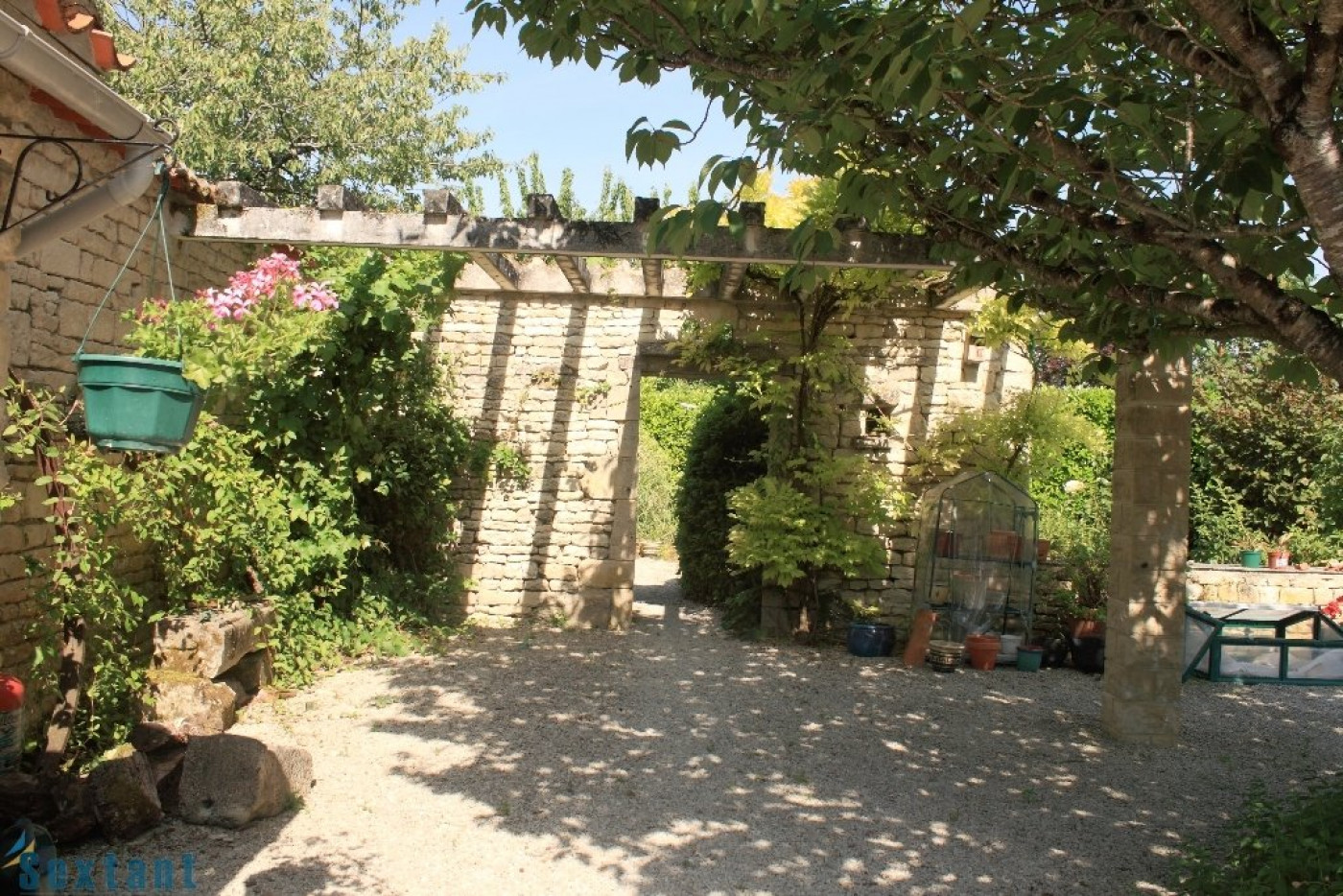 A vendre Fontaine Chalendray 7501134605 Sextant france