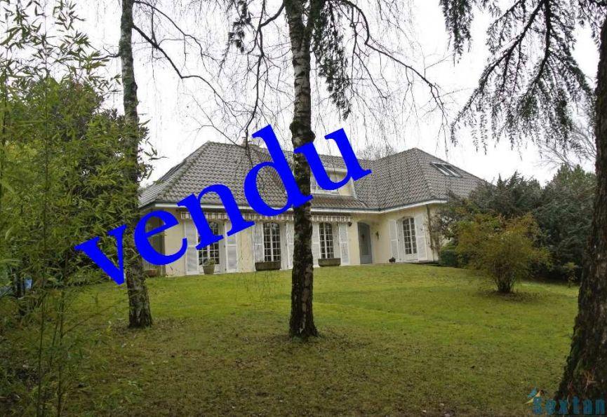 villa d 39 architecte en vente limoges rf 7501136896 sextant france. Black Bedroom Furniture Sets. Home Design Ideas