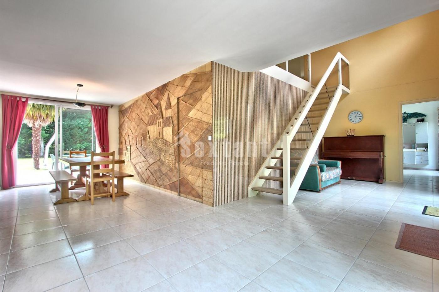 A vendre Lamorlaye 7501154183 Sextant france