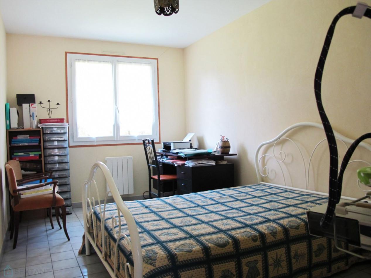 A vendre  Donnezac   Réf 7501168540 - Sextant france