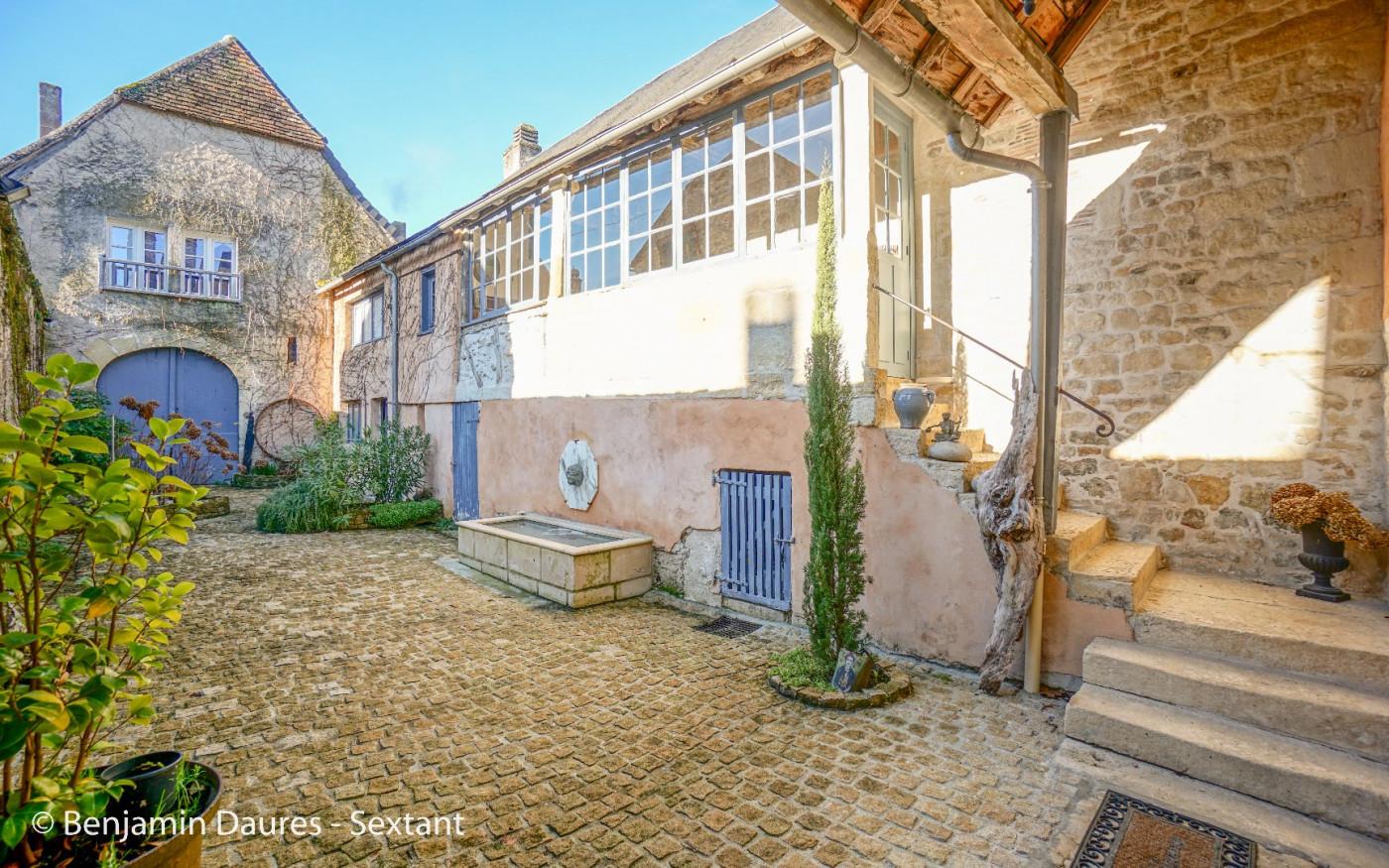 A vendre Montignac 7501190415 Sextant france