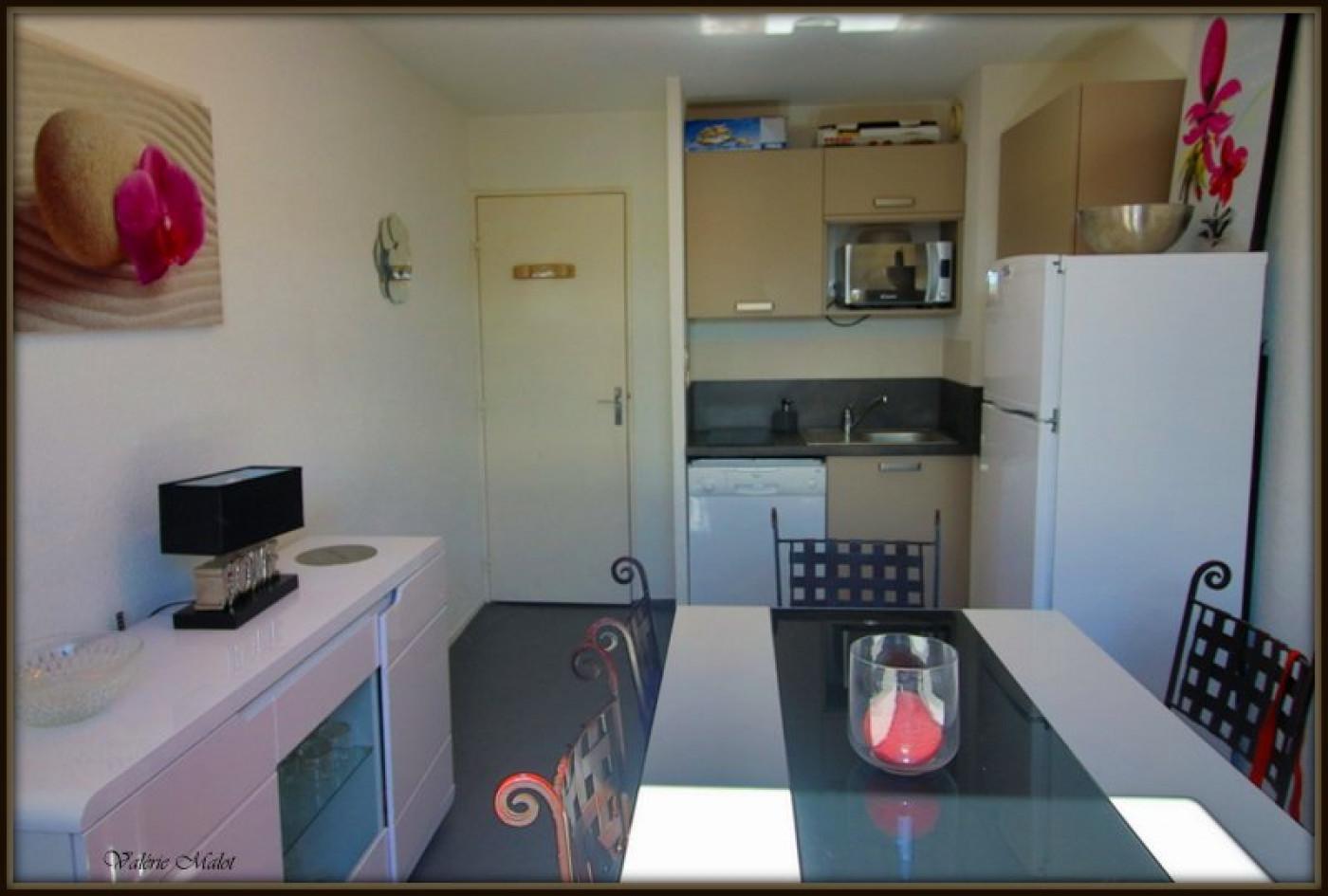detail axelite sas. Black Bedroom Furniture Sets. Home Design Ideas