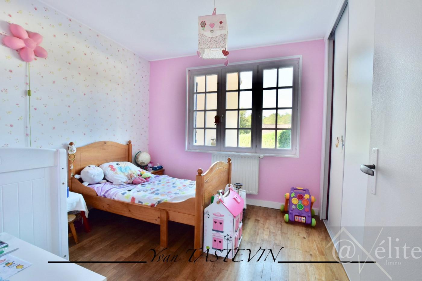 A vendre Montfort Le Gesnois 777921486 Axelite sas