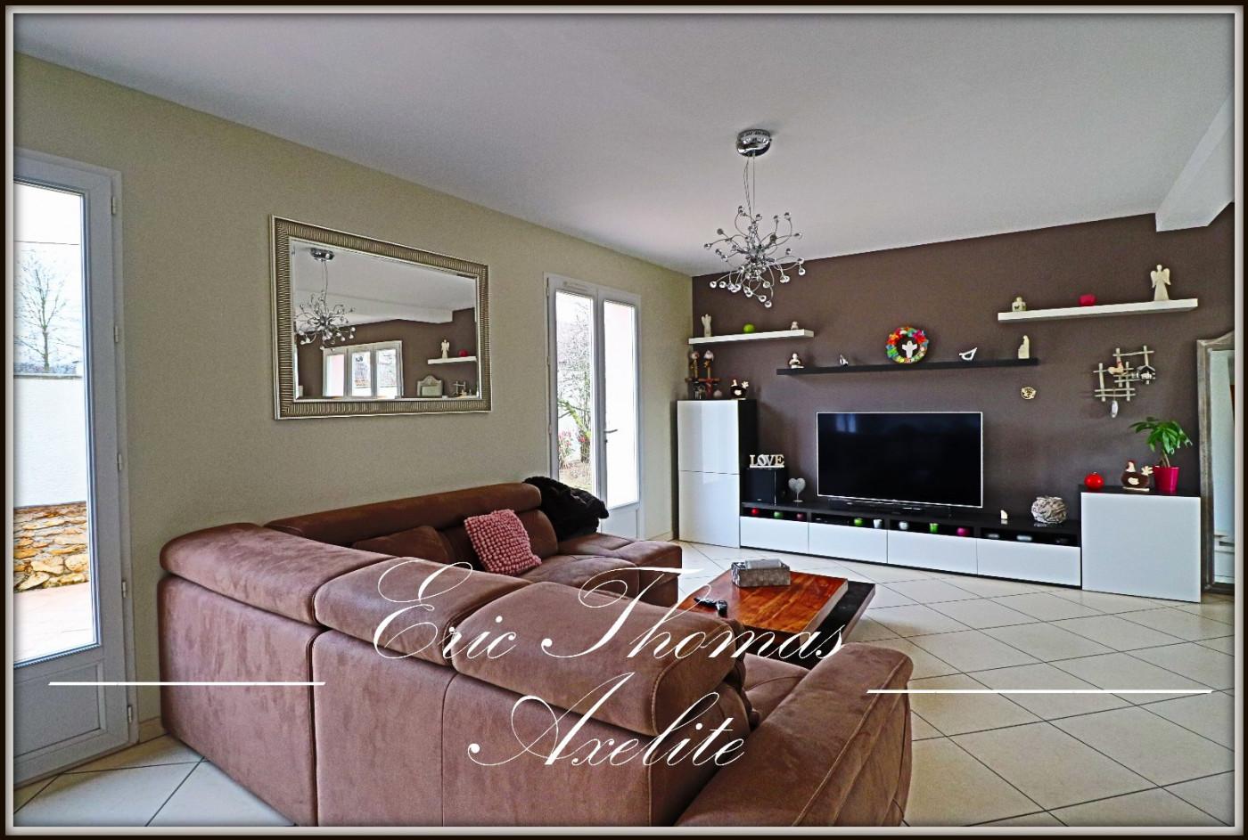 A vendre  Liverdy En Brie   Réf 777922543 - Axelite sas
