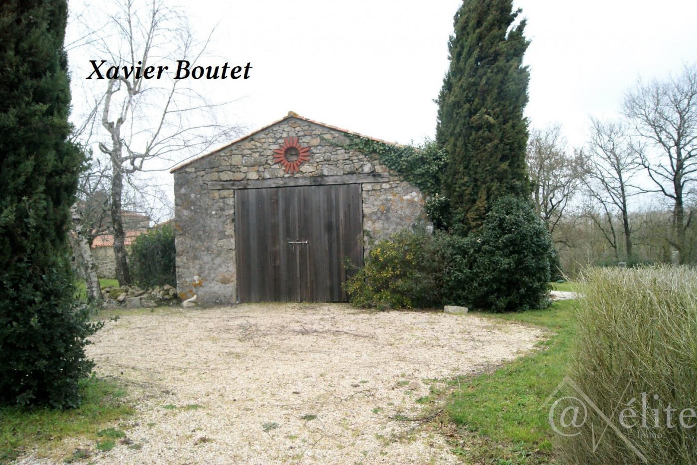 A vendre Saint Etienne Du Bois 777923045 Axelite sas