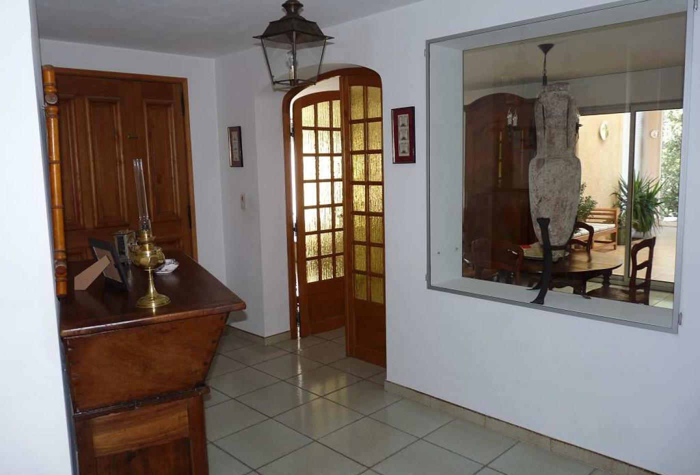 A vendre Tavernes 830091056 Marchandimmo