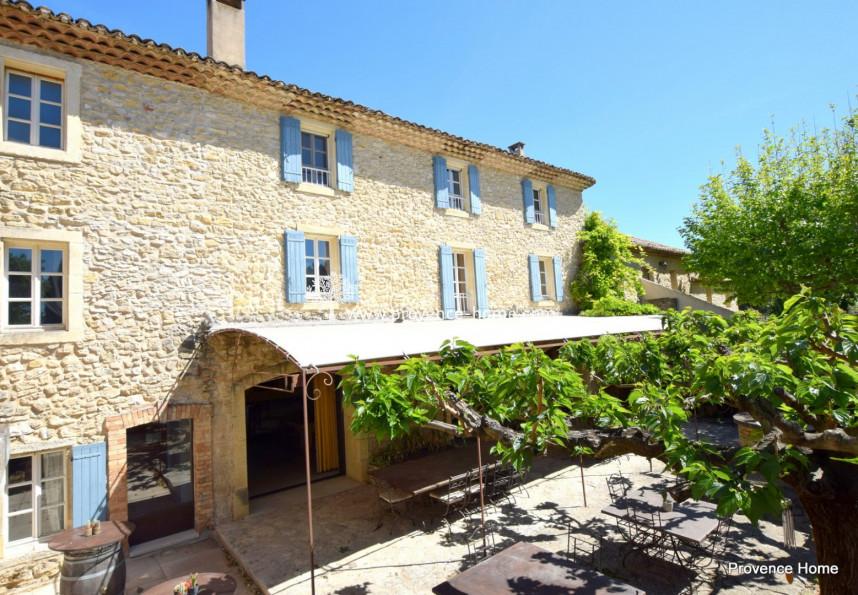 For sale  Lagnes | Réf 840101516 - Provence home
