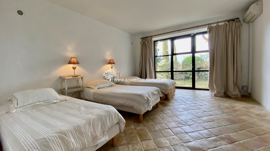 For sale  Menerbes | Réf 840101580 - Provence home