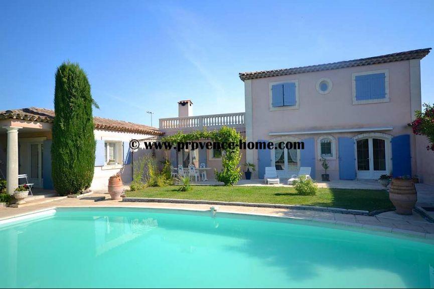 Vente maison contemporaine lagnes paca vaucluse 84800 n for Maison contemporaine paca