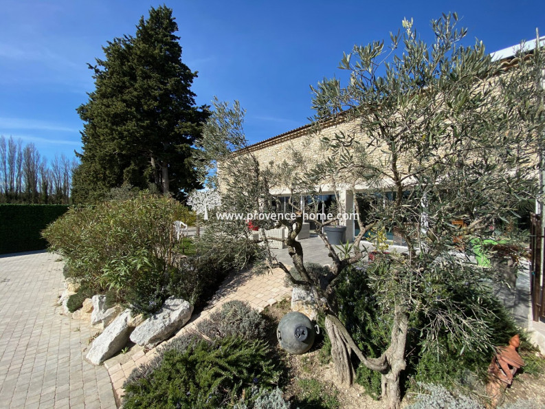 For sale  Cavaillon | Réf 84010639 - Provence home