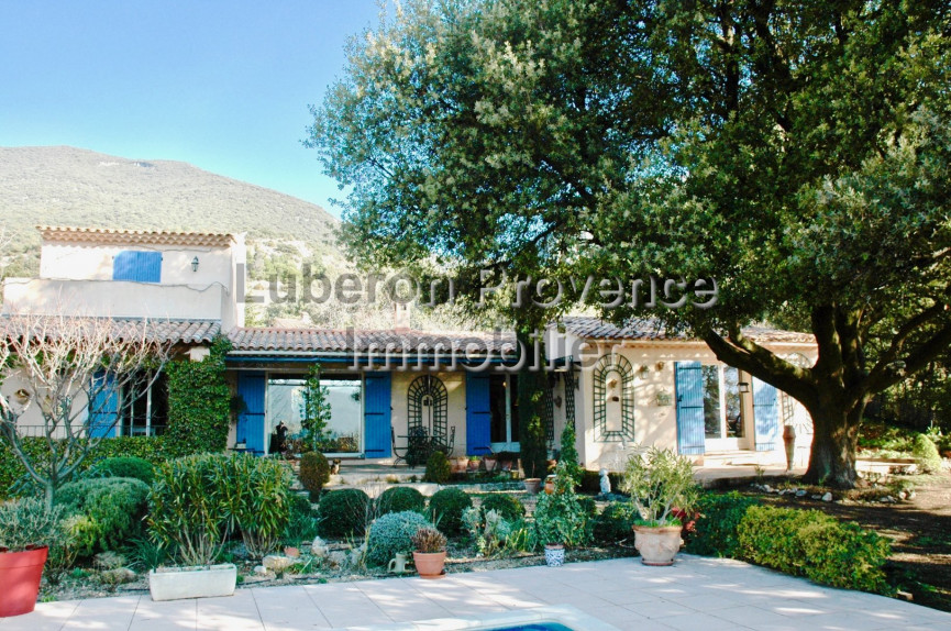 For sale  Rustrel   Réf 840121256 - Luberon provence immobilier