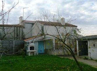 A vendre Les Landes Genusson 8500260996 Portail immo