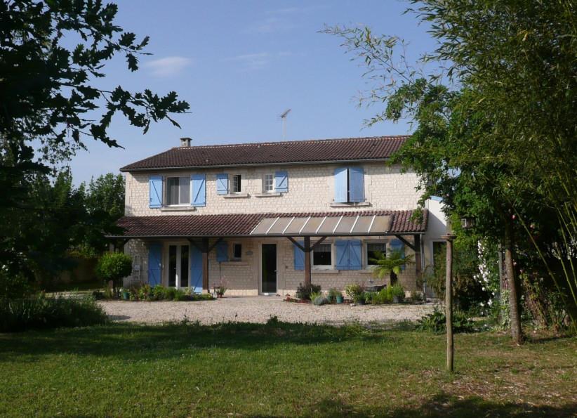 A vendre Saint Meme Les Carrieres 8500267464 A&a immobilier - axo & actifs
