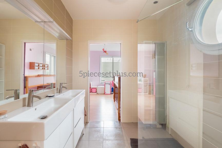 A vendre  Rueil Malmaison   Réf 9201110466 - 5 pièces et plus
