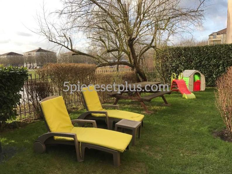 A vendre  Bussy Saint Georges | Réf 920115707 - 5 pièces et plus