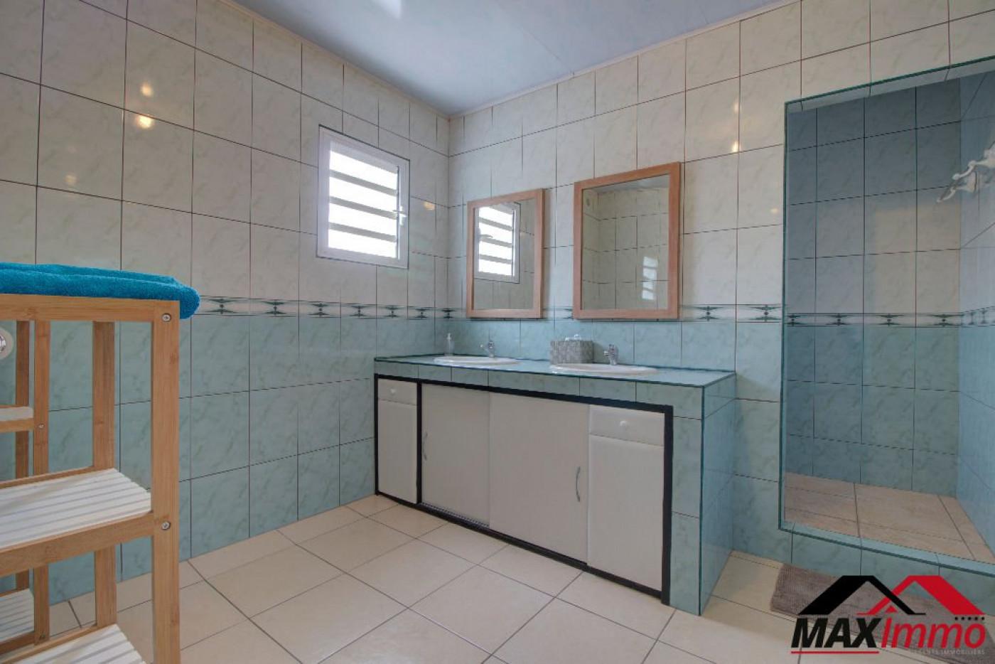 A vendre La Riviere 970086681 Maximmo cg transaction