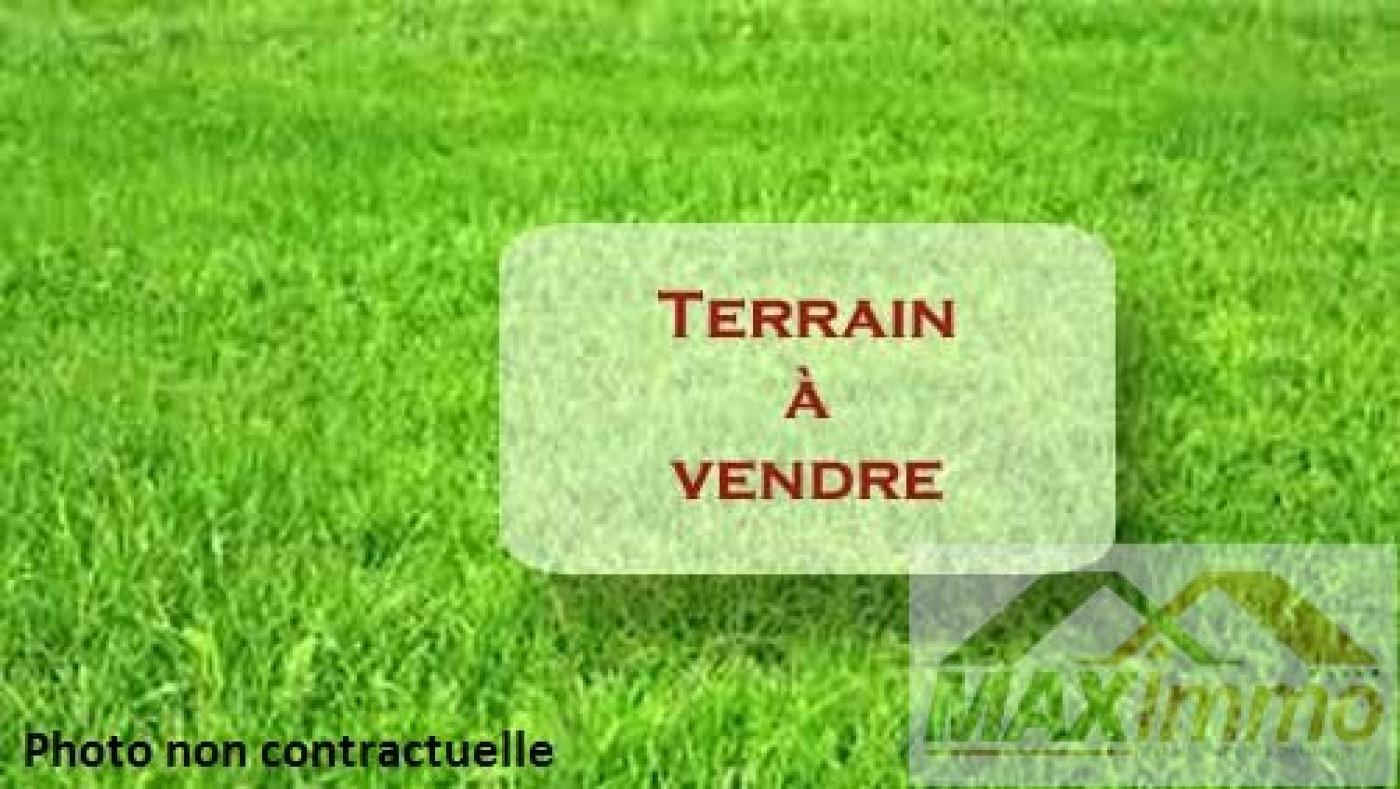 A vendre  Saint Pierre   Réf 970087855 - Maximmo cg transaction